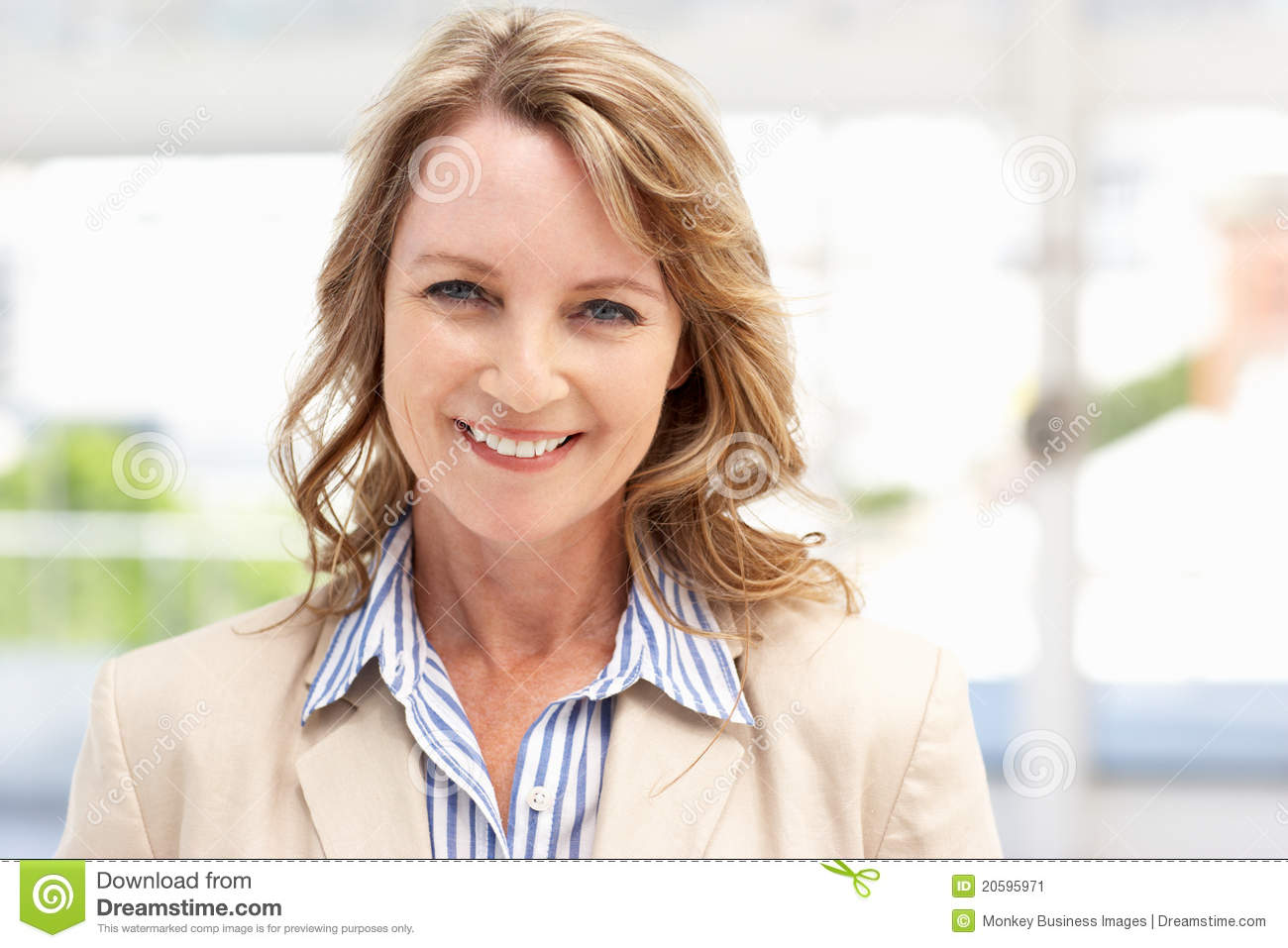 Older business woman in office
