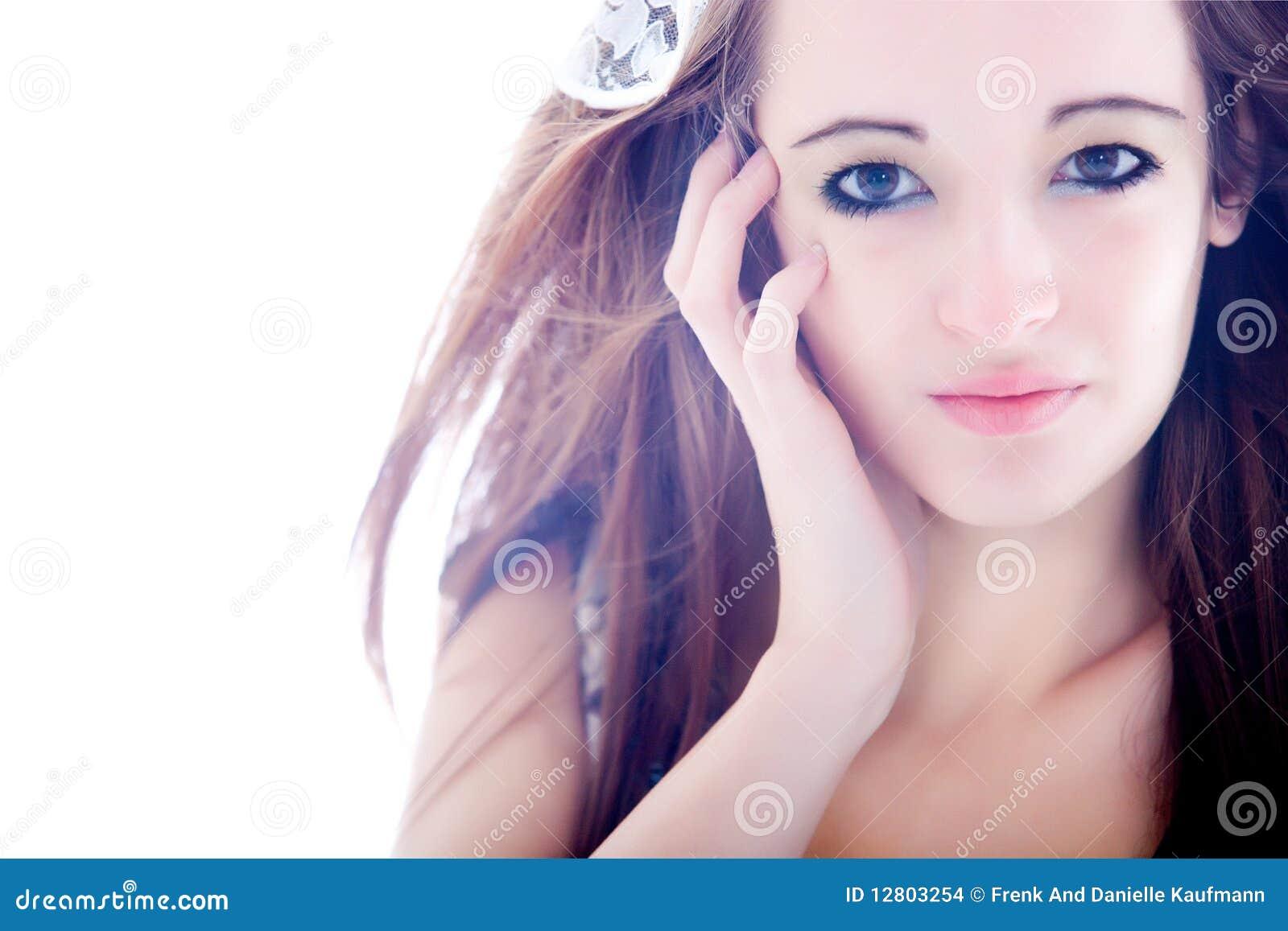 Olhos brilhantes bonitos