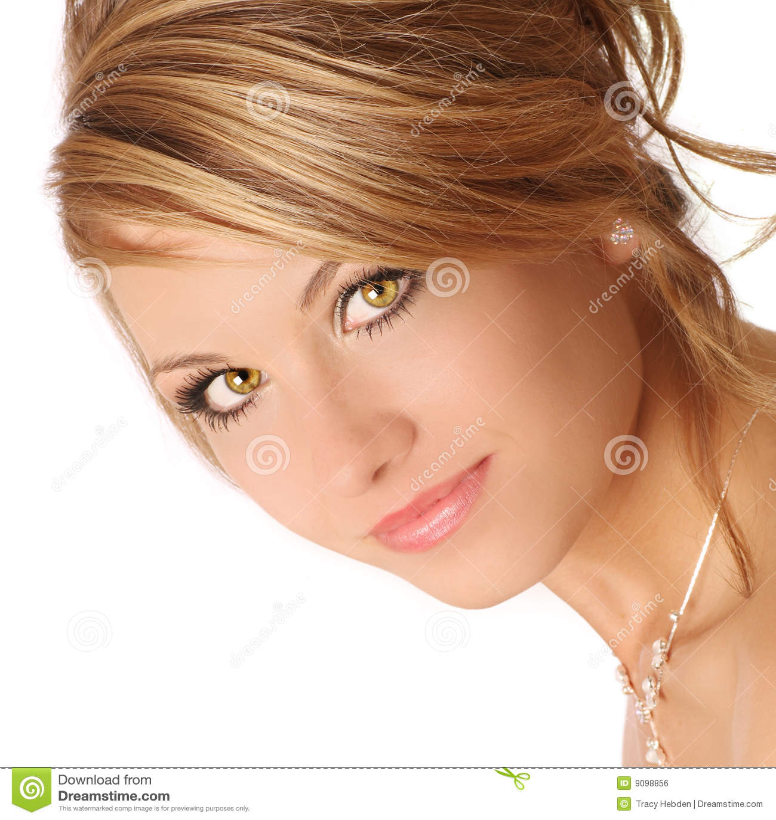 Olhos côr de avelã
