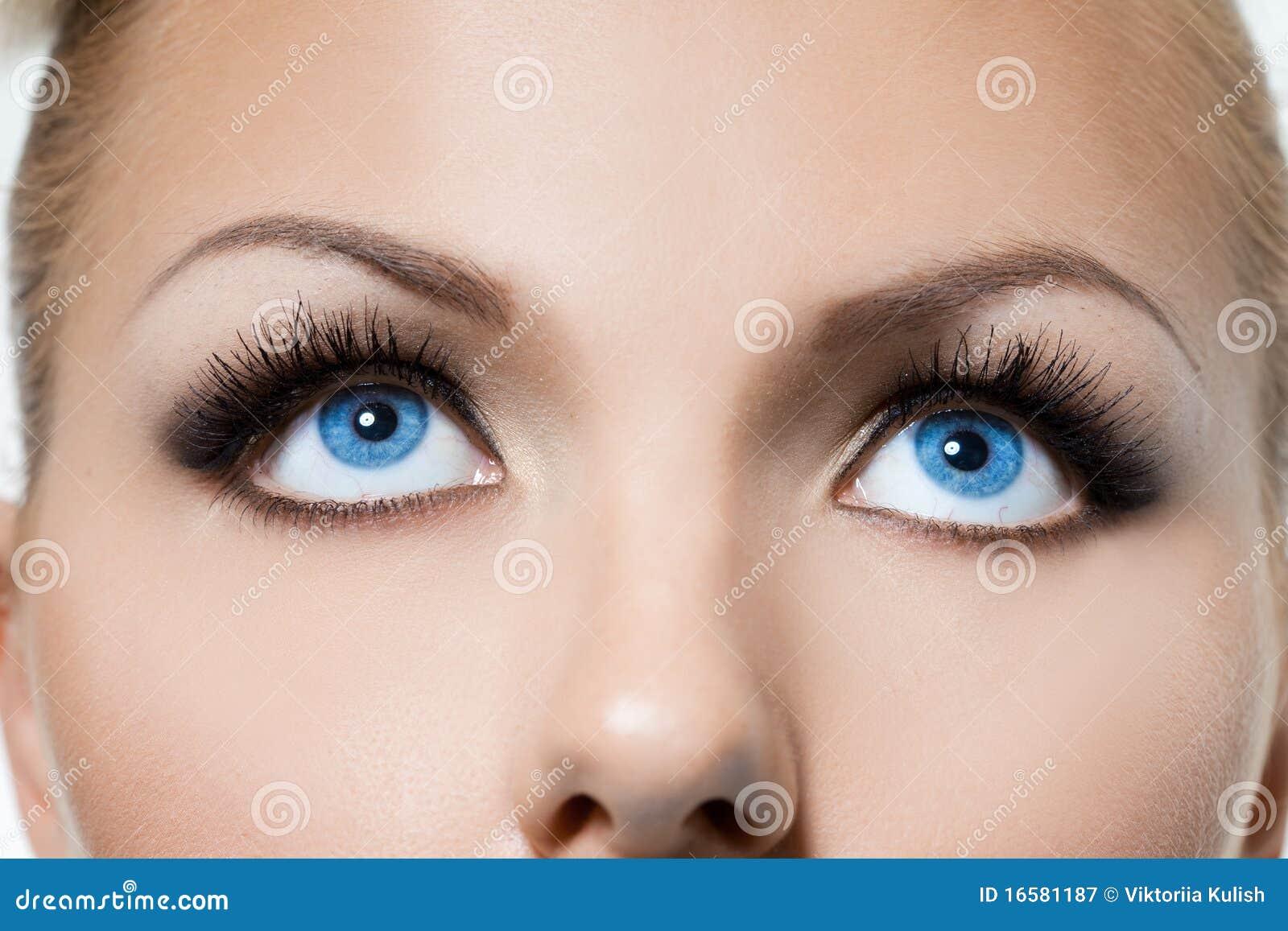 Olhos Womanish