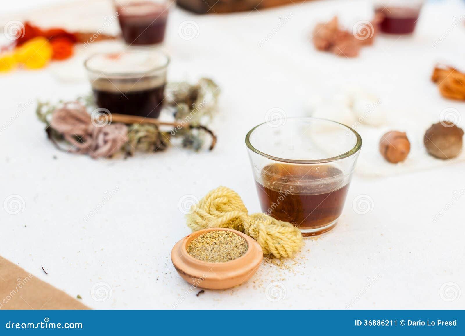 Download Oli essenziali immagine stock. Immagine di aromatherapy - 36886211
