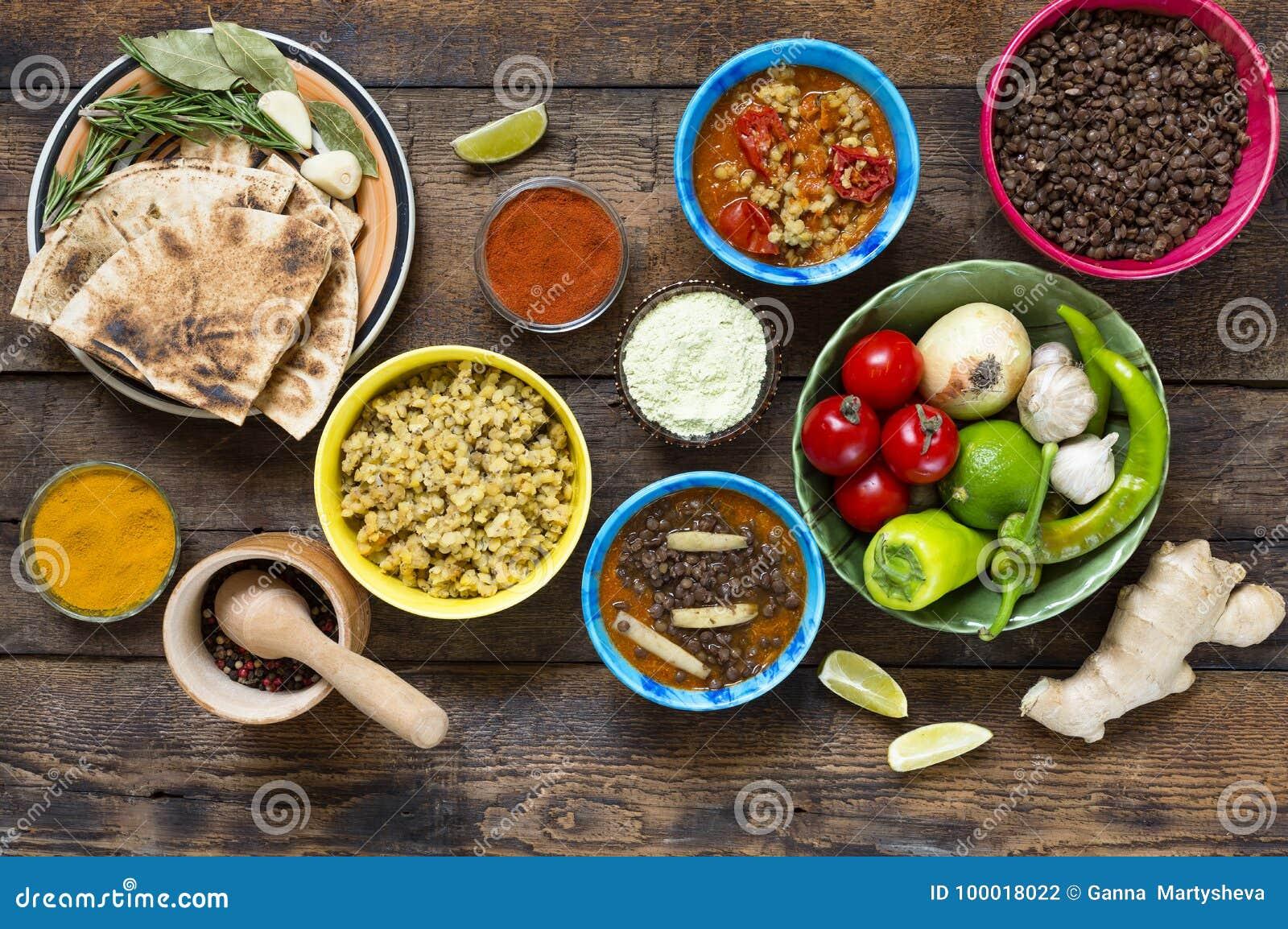 Olik indier och vegetarisk disk och mellanmål