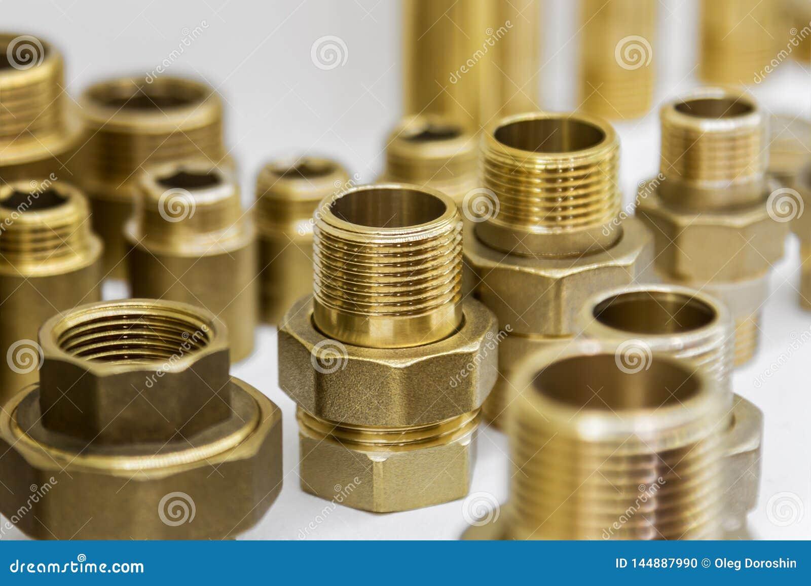 Olika adapter, kontaktdon för rörmokeri och reparation
