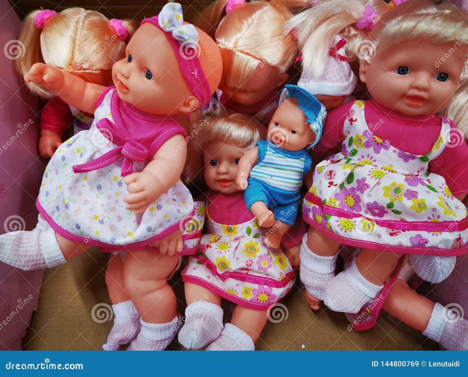 Olika modeller och format för leksakerdockor