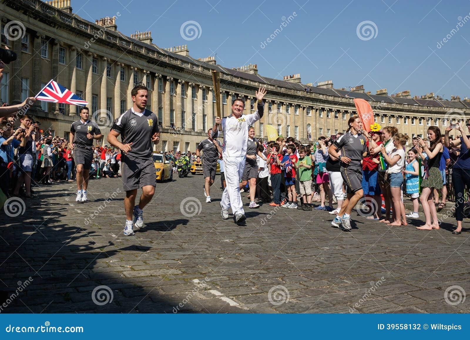 Olimpijski pochodni luzowanie 2012, skąpanie, UK.