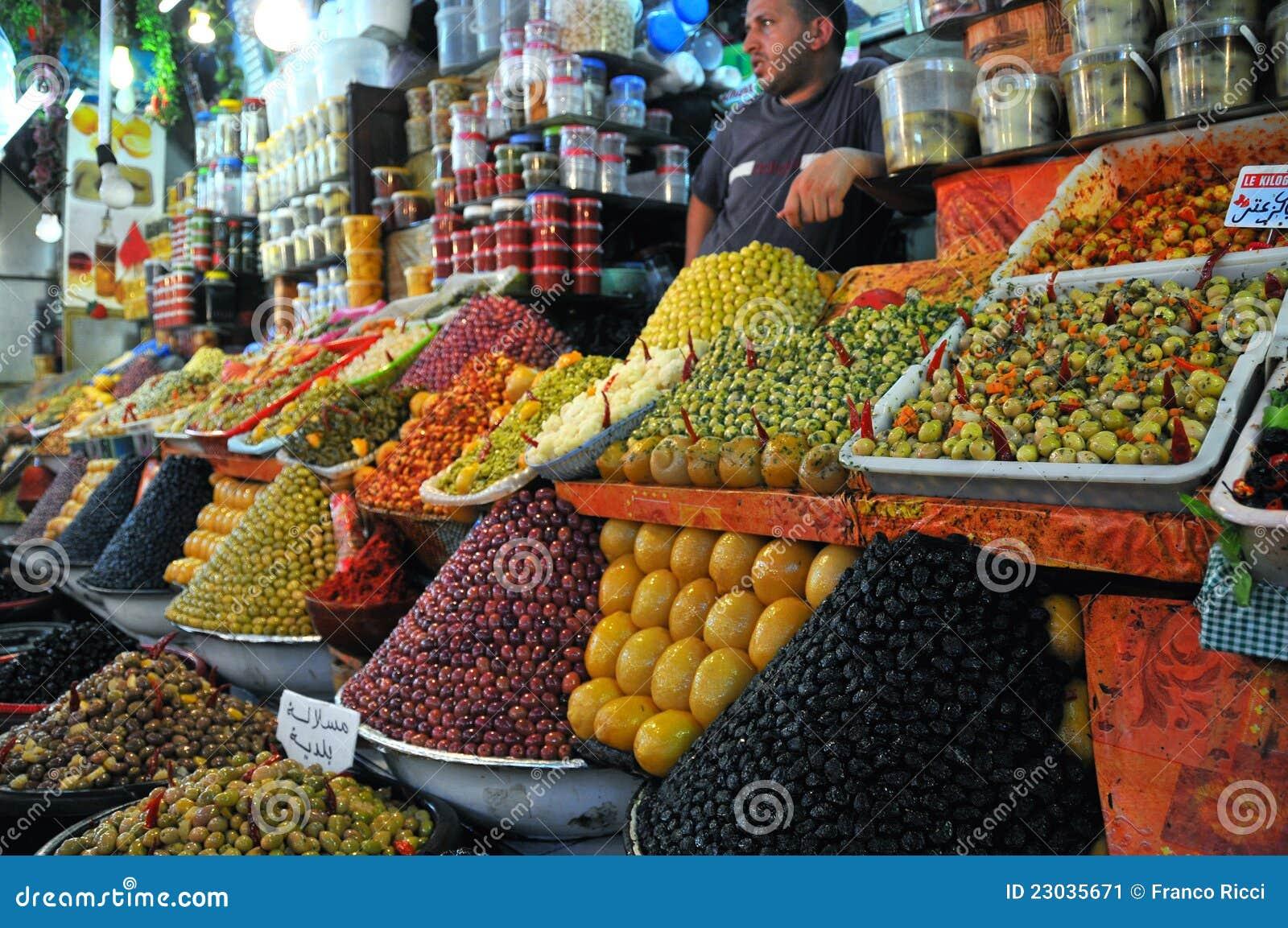 Olivgrüner Markt in Marokko