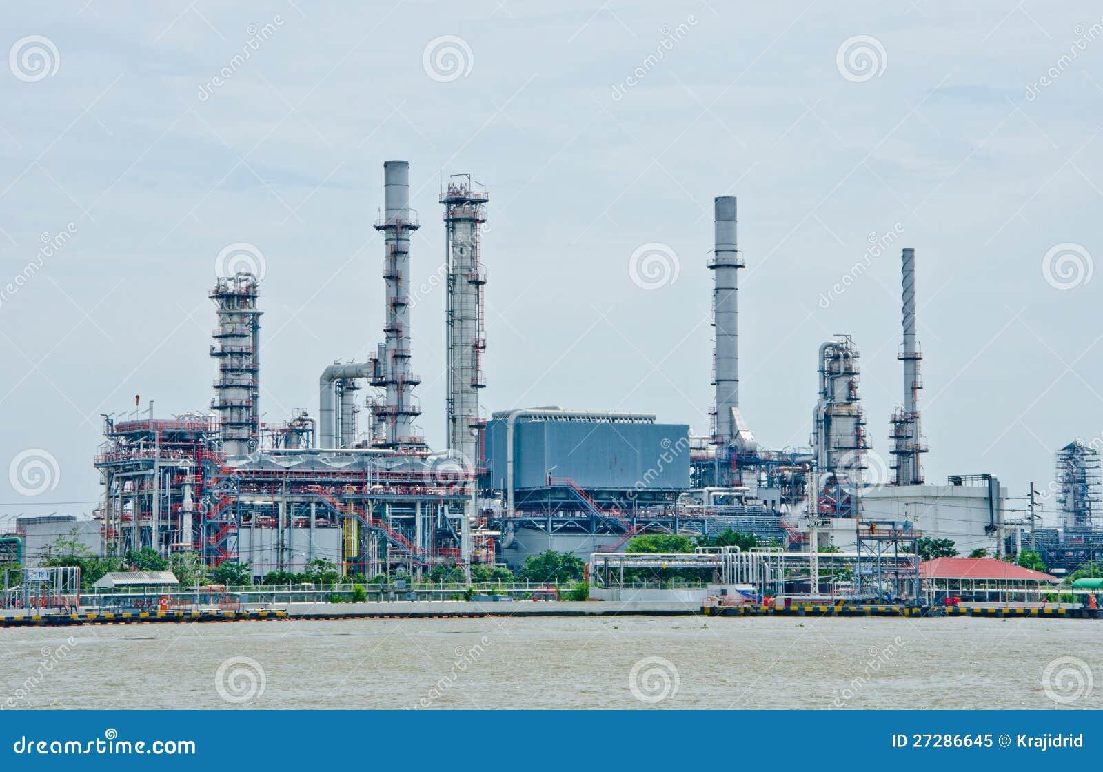 Oljeraffinaderiväxt