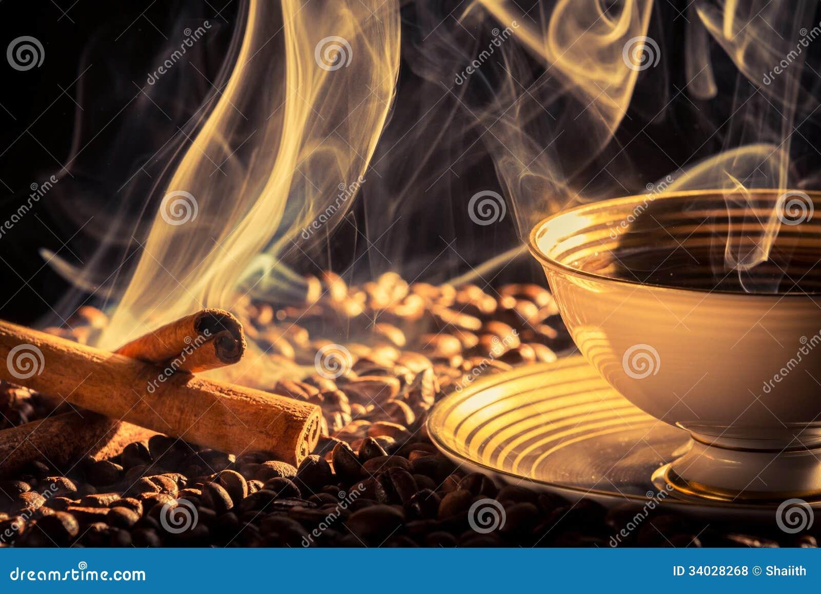 Olor del canela del café asado