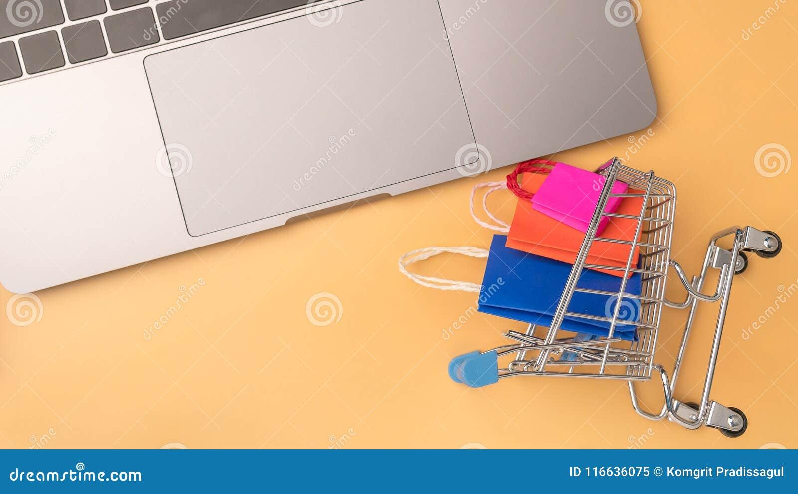 Olorful tapetuje torba na zakupy i tramwaj iść puszek od unosić się