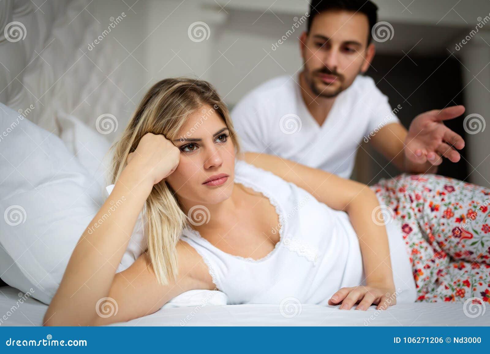 Olyckliga barnpar som har olösta förhållandeproblem