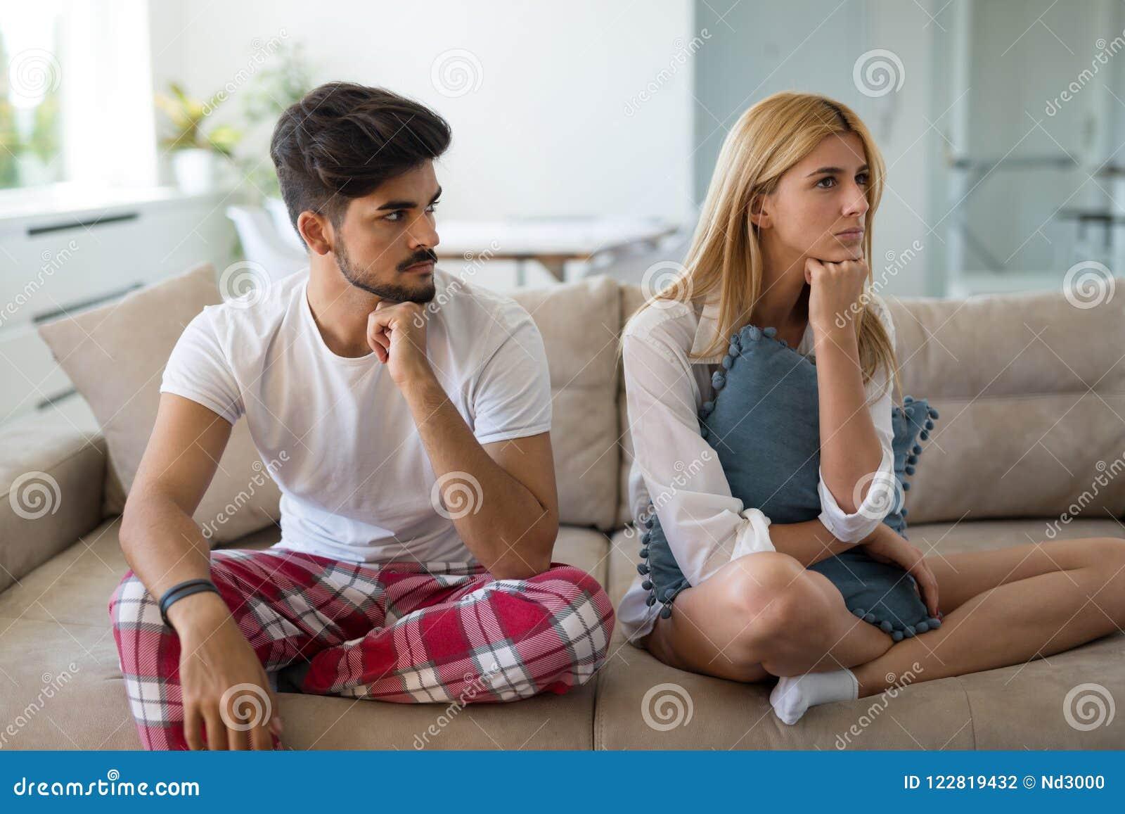 Olyckligt gift par på kant av impotens för skilsmässa tack vare