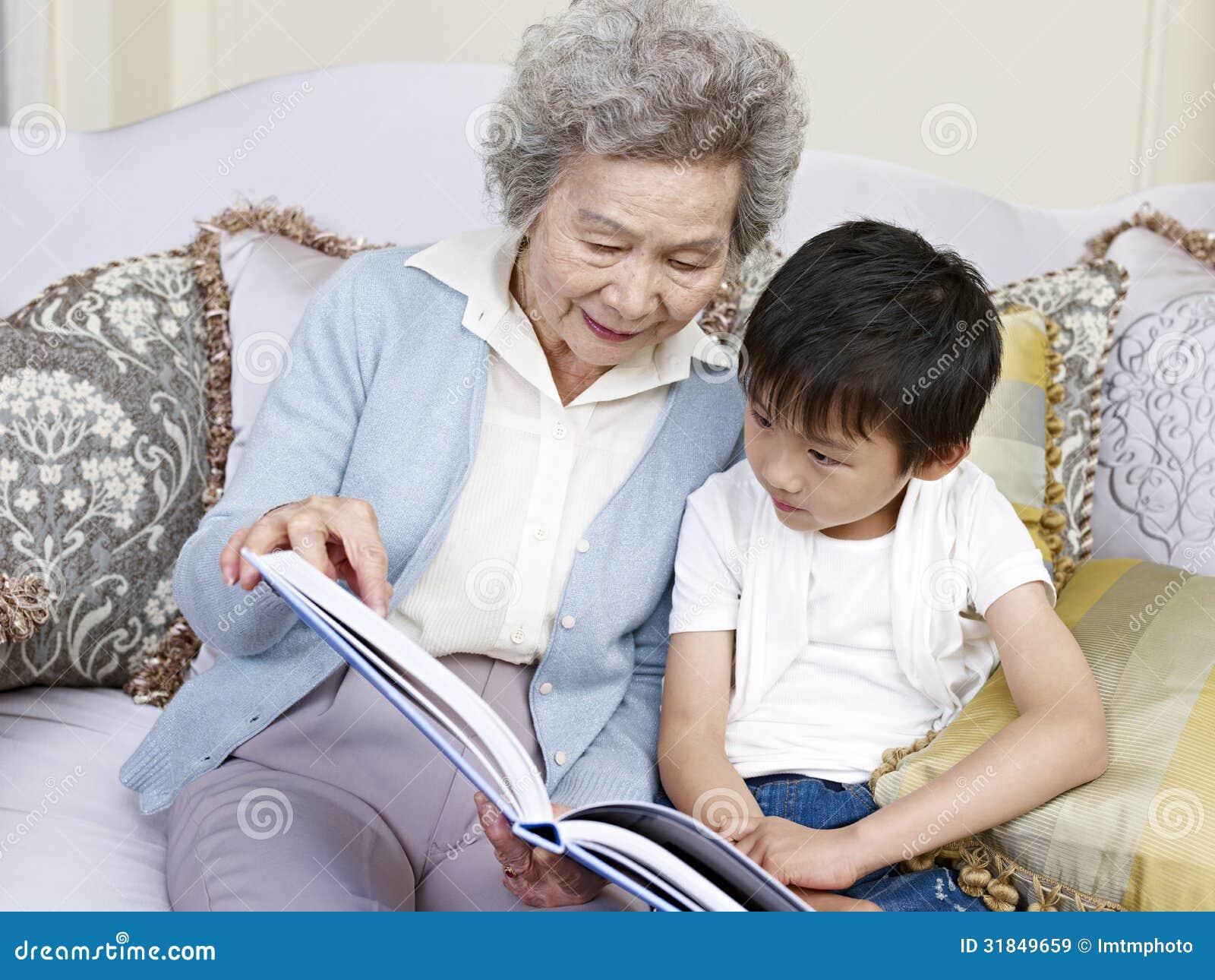Oma en kleinzoon