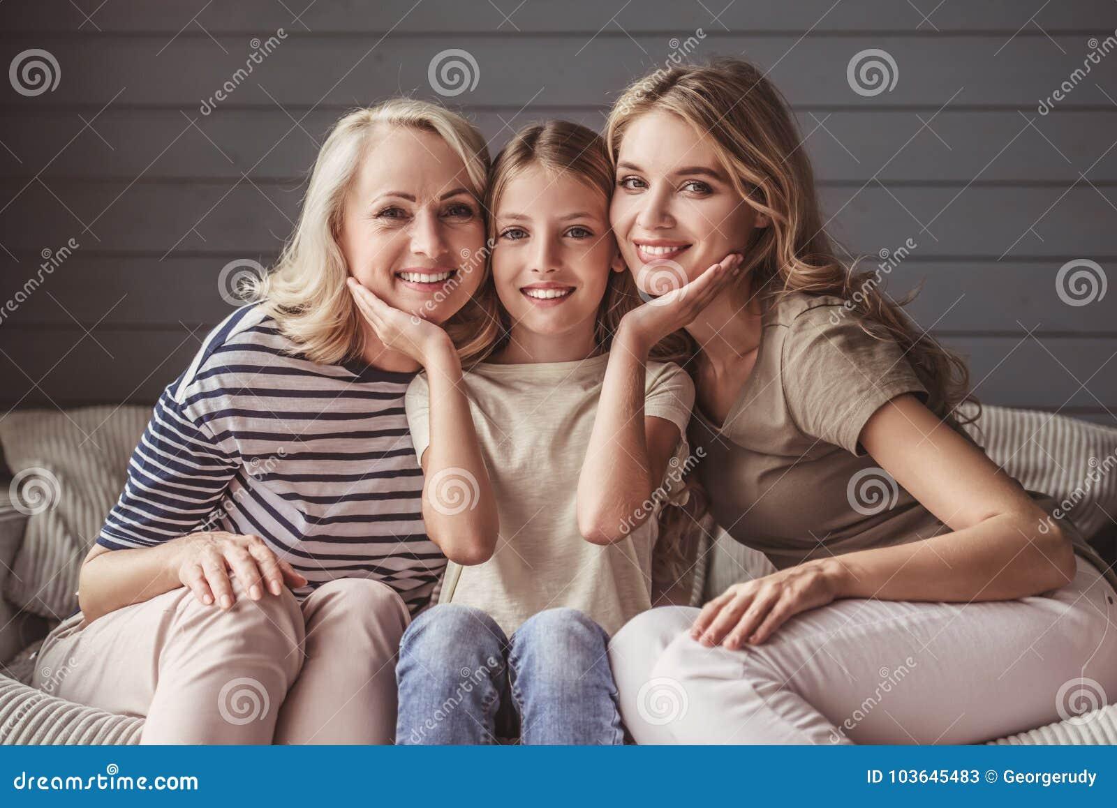 Oma Und Ihre Tochter