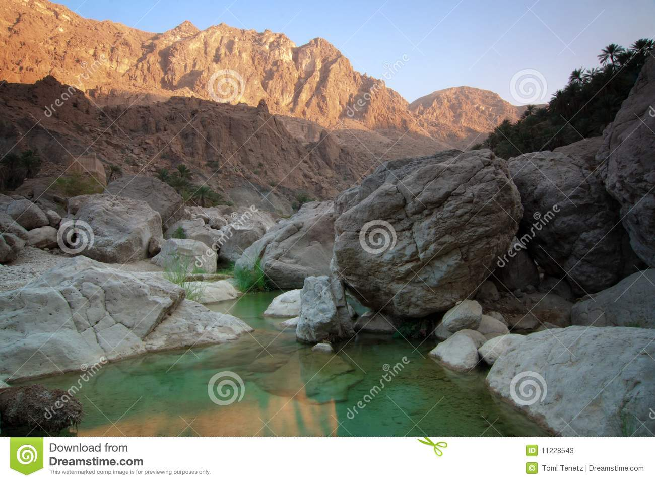 Tiwi Oman  city photos : ... Tiwi in Oman. One of the most beautiful wadis river valleys in Oman