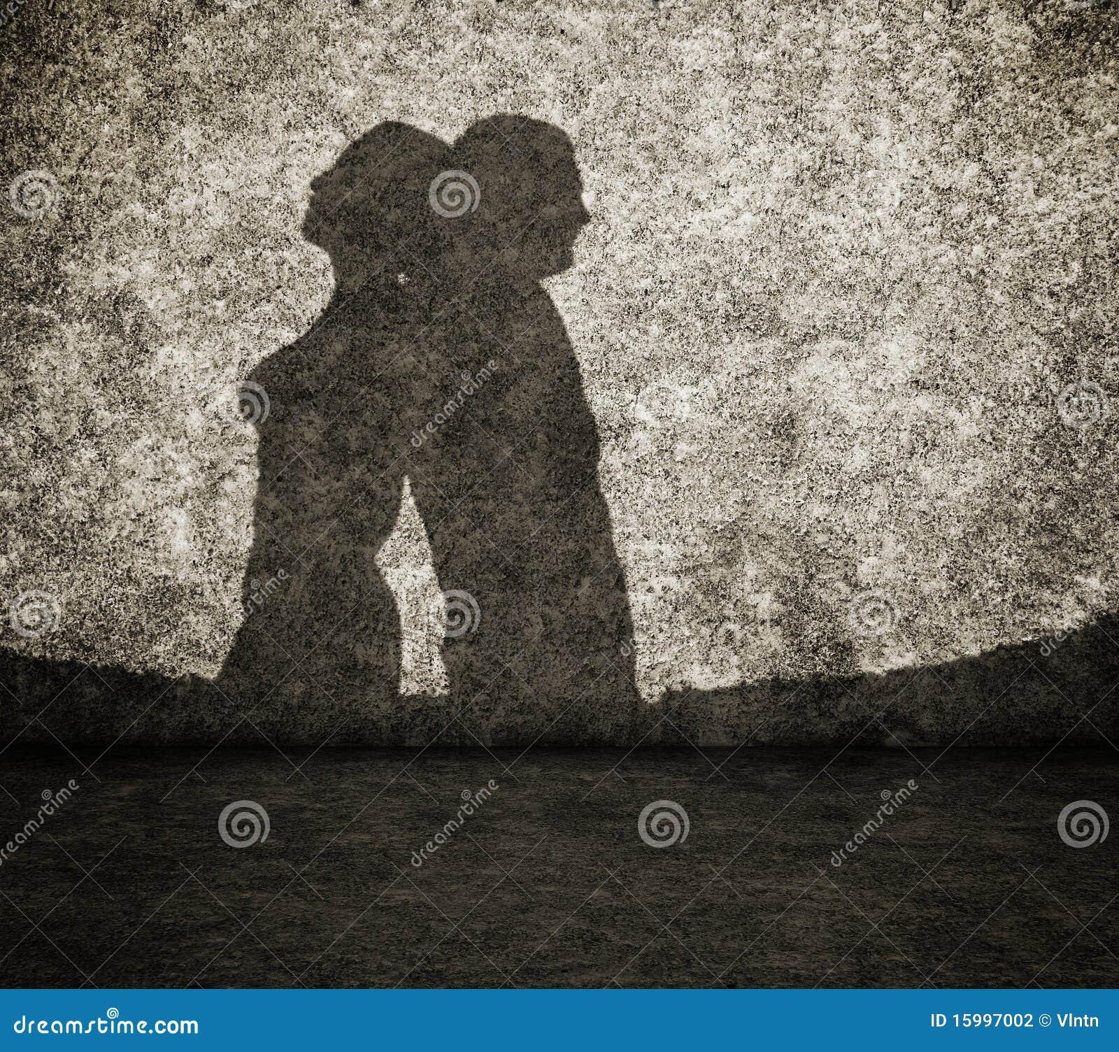 Ombra dell 39 uomo e della donna sulla parete fotografia for Planimetrie della caverna dell uomo