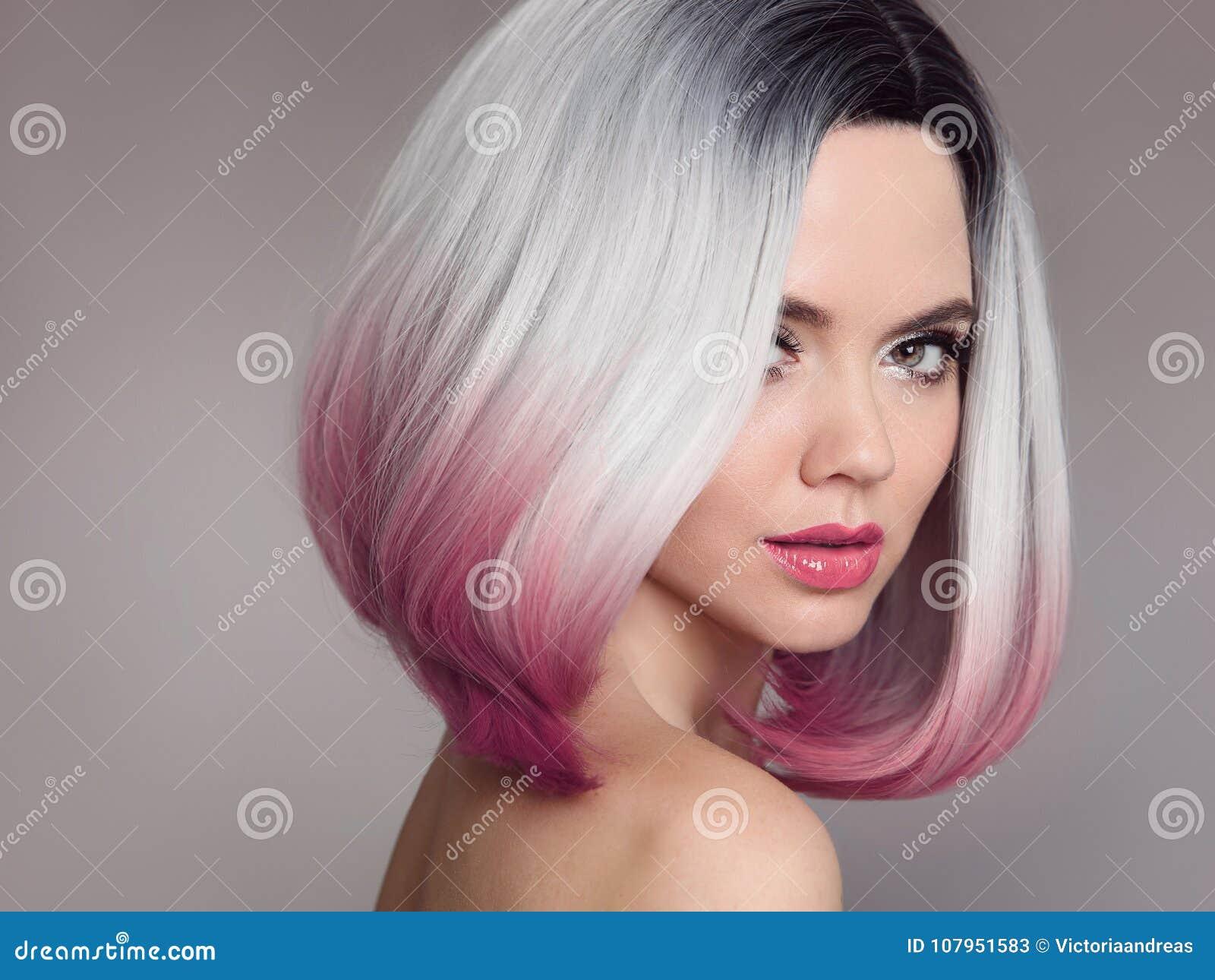 Ombre突然移动短小发型 美丽的头发染色妇女 Fashio