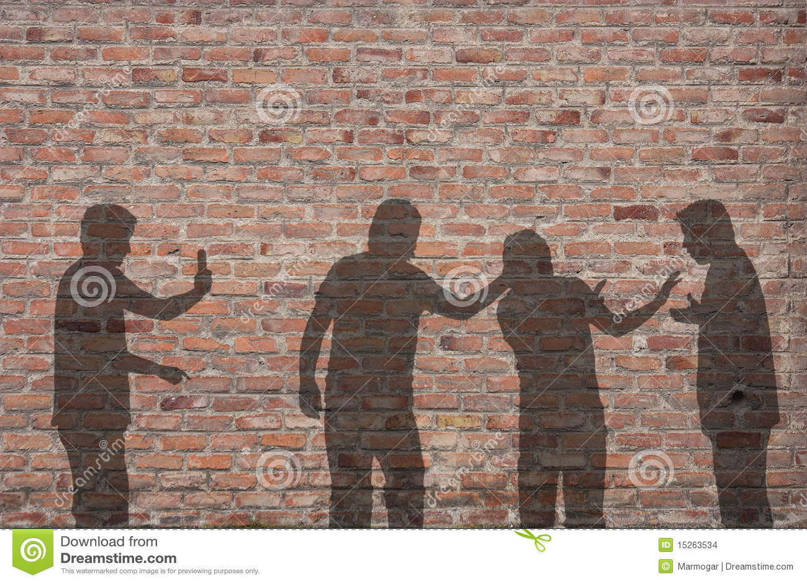 Ombre intimidante de scène sur le mur