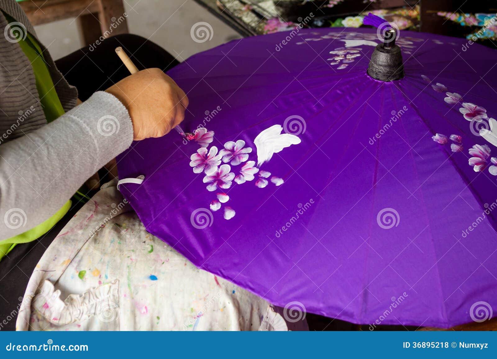 Download Ombrello Fatto Di Carta/di Tessuto. Arti Fotografia Stock - Immagine di cinese, decorativo: 36895218