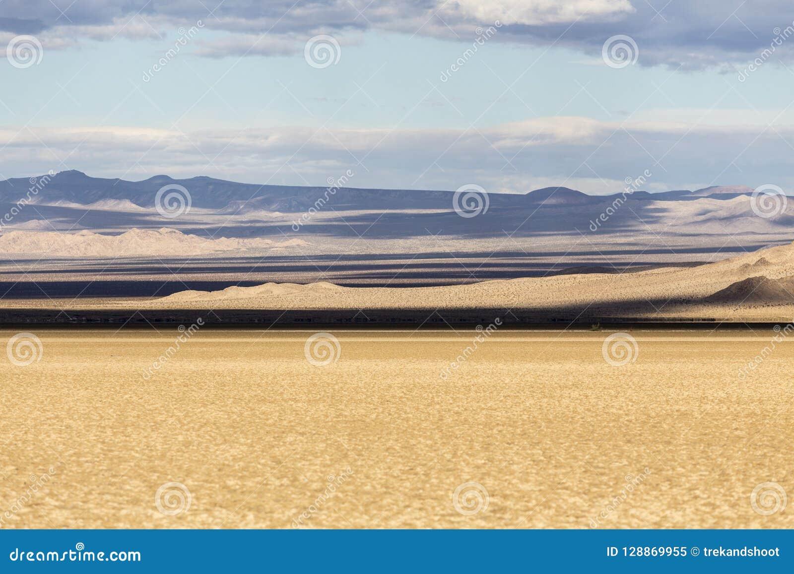 Ombres nationales d assèche soda de conserve de Mojave