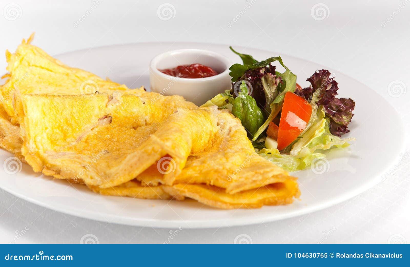Download Omelet Met Groenten En Souce Stock Afbeelding - Afbeelding bestaande uit brunch, up: 104630765