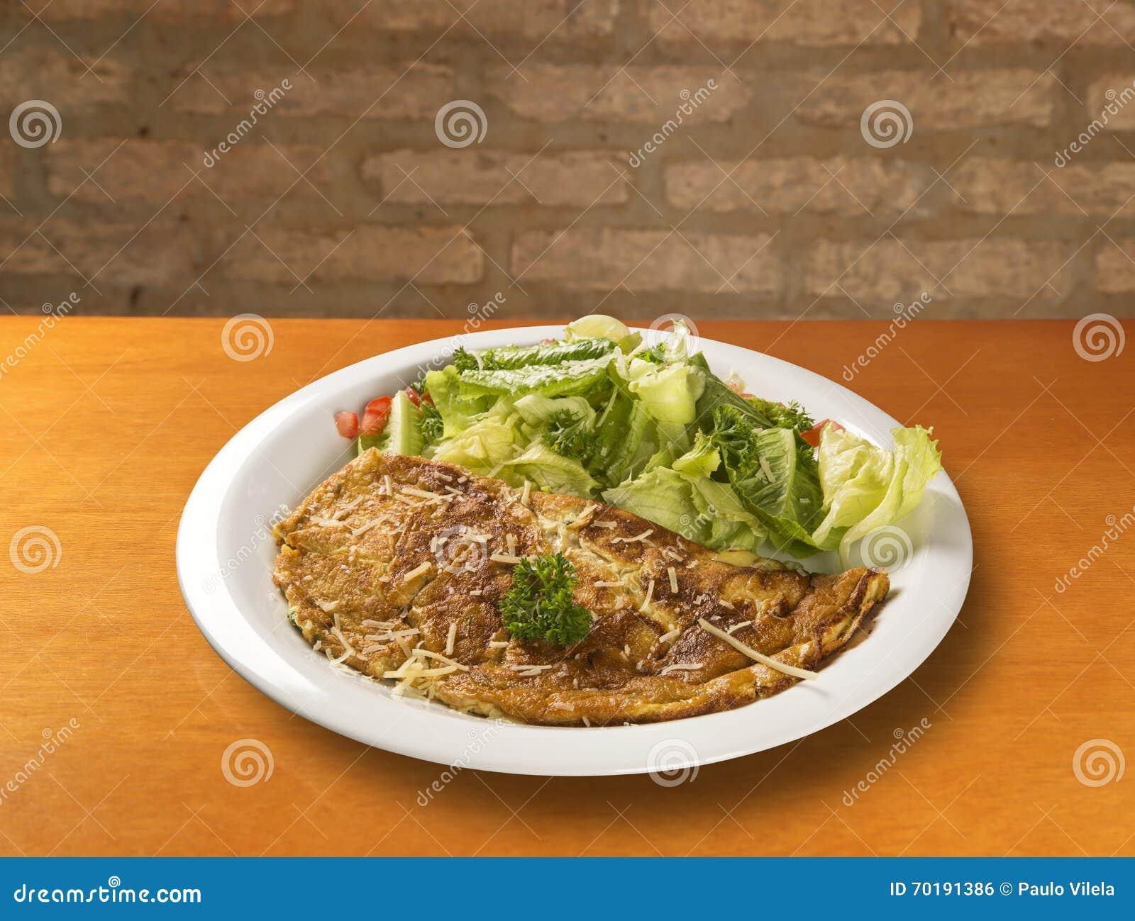 Omelett och sallad