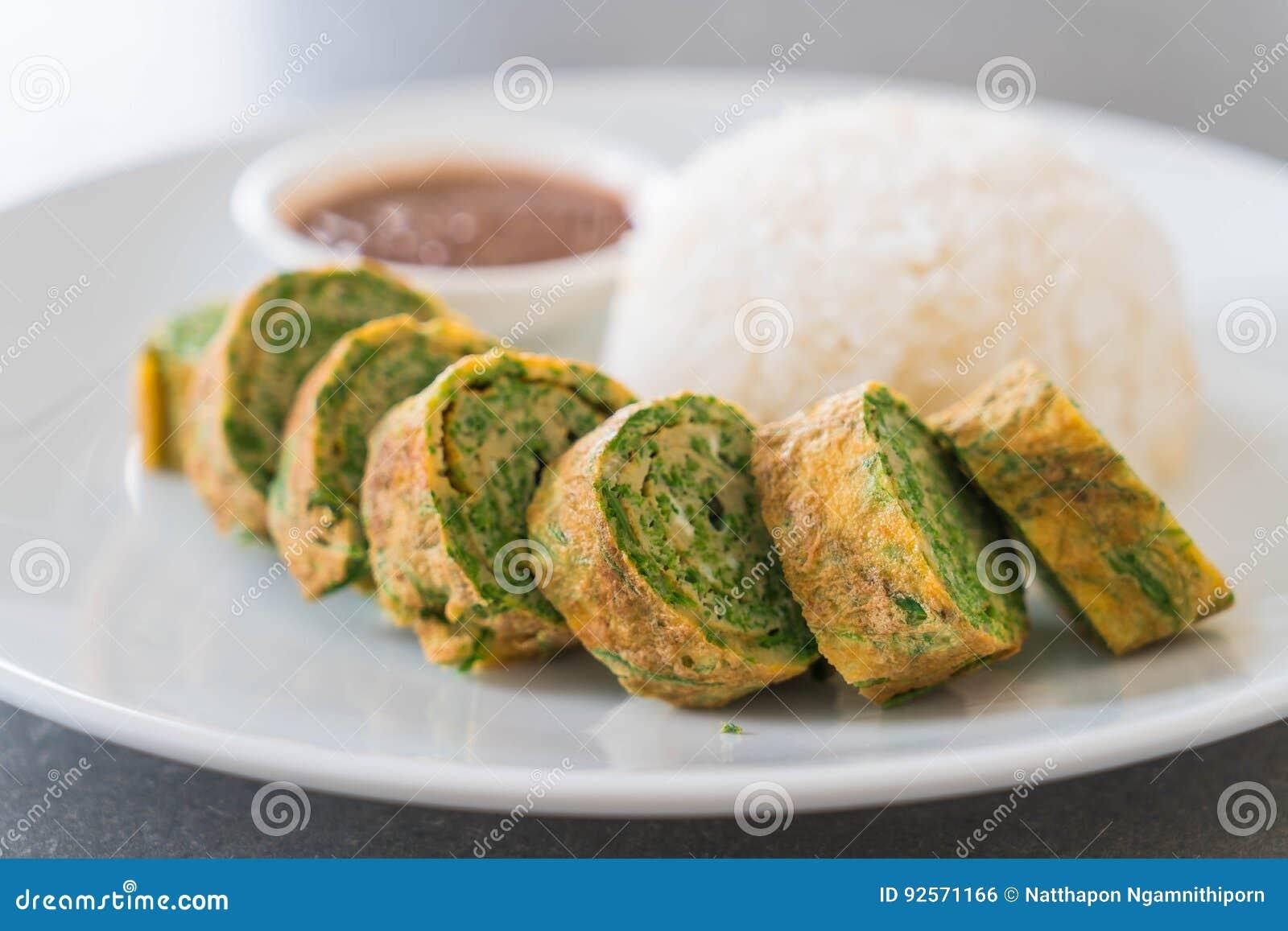 Omelette di Pennata dell acacia con Chili Paste