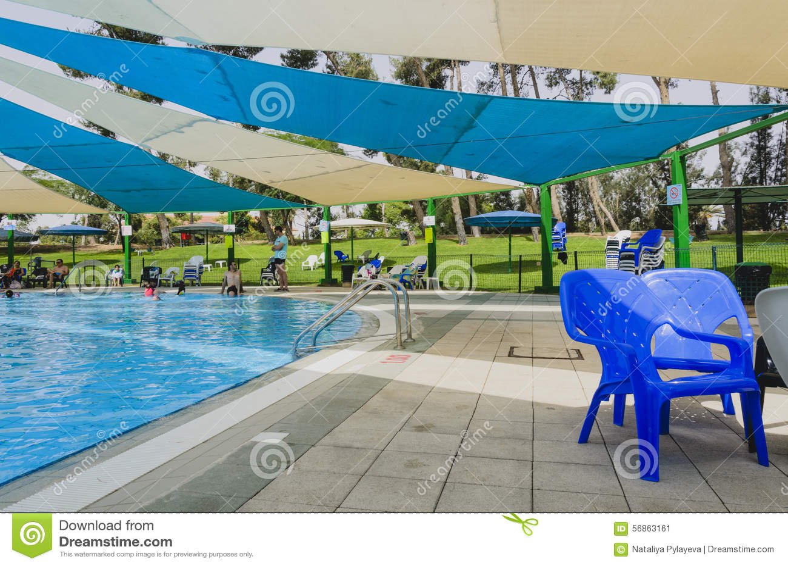 Omer israel 27 de junho piscina omer negev o 27 de junho de 2015 em israel foto - Business plan piscina ...