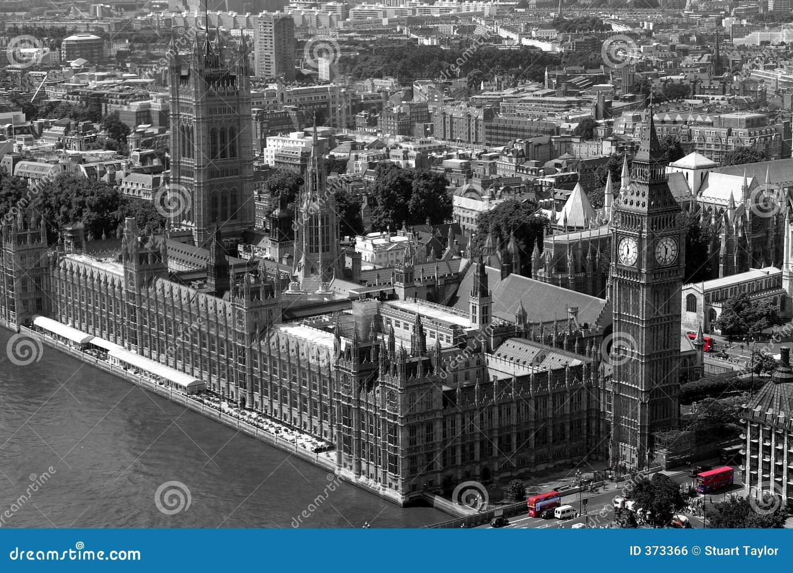 Omnibuses rojos en Westminster