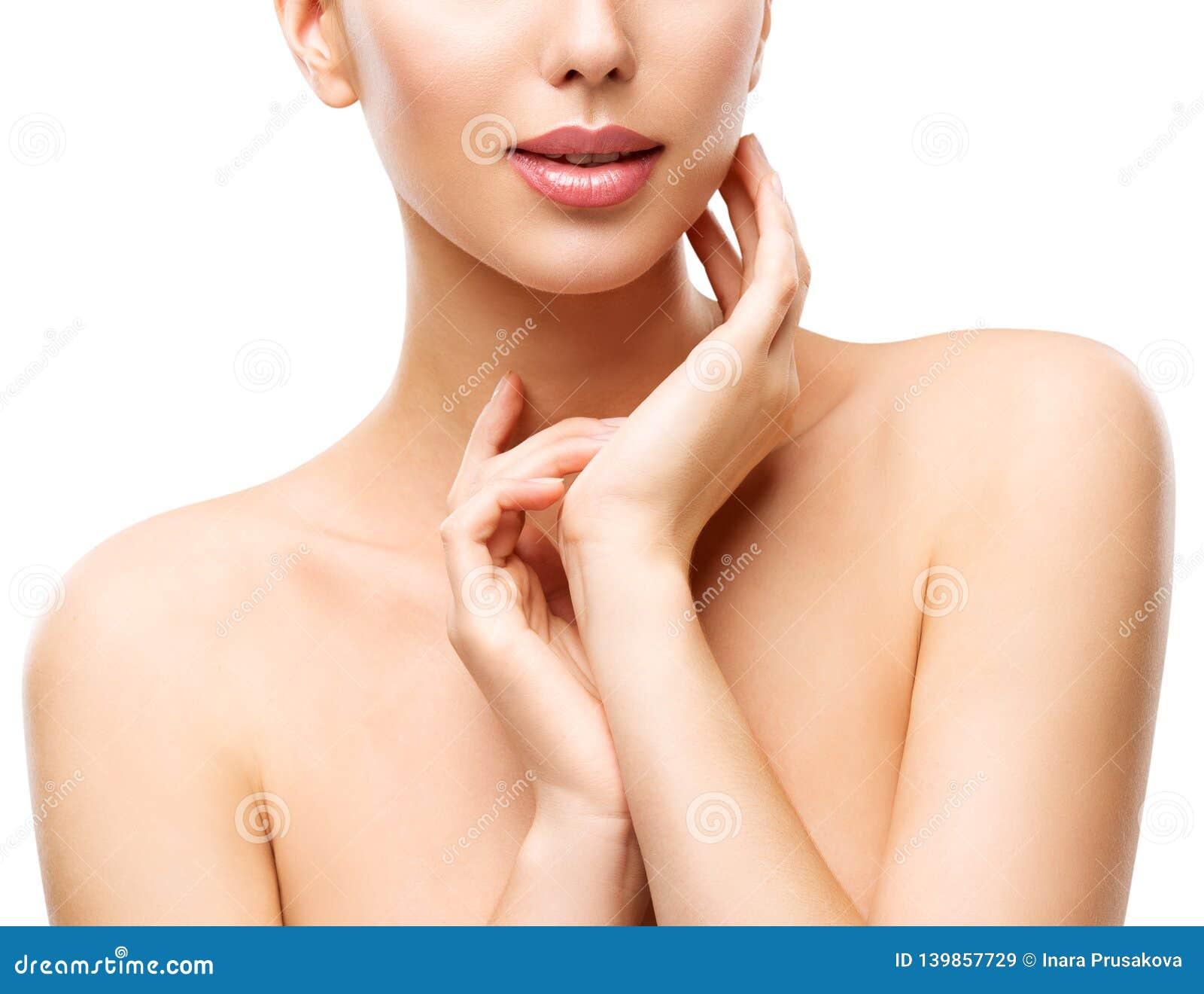 Omsorg för kvinnaskönhethud, modell Touching Neck, framsida Skincare på vit