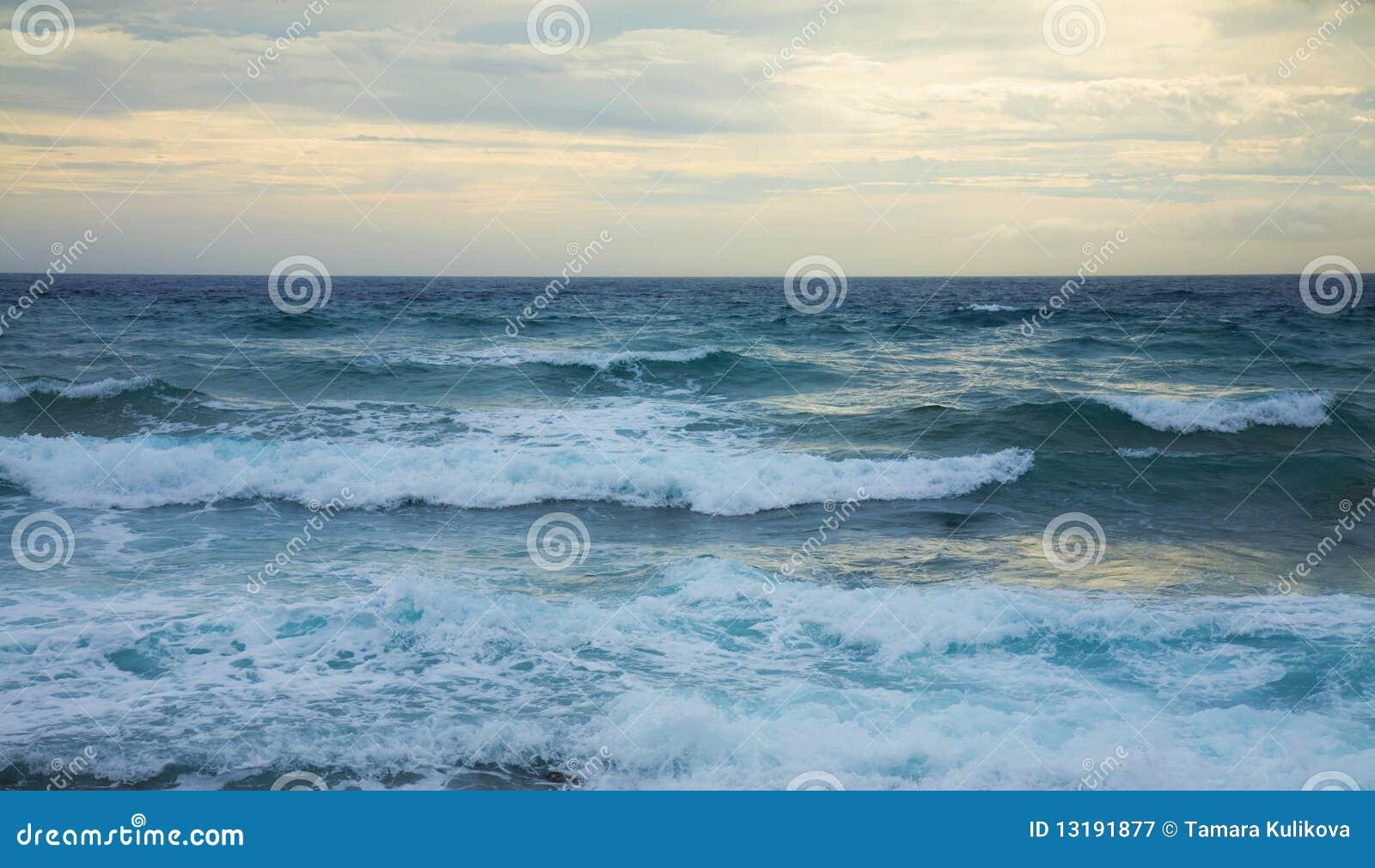 Onde di oceano