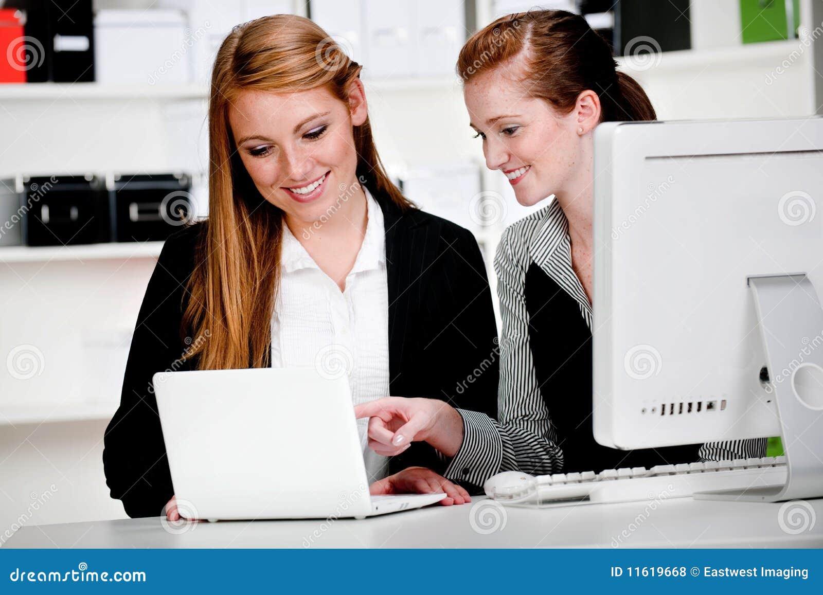 Onderneemsters met Laptop en Computer