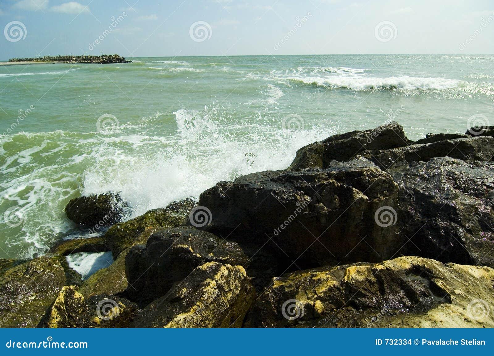 Ondes tombant en panne chez la Mer Noire