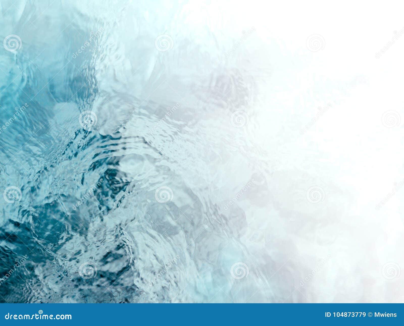Ondulations tranquilles et méditatives d écoulement de l eau de vert bleu