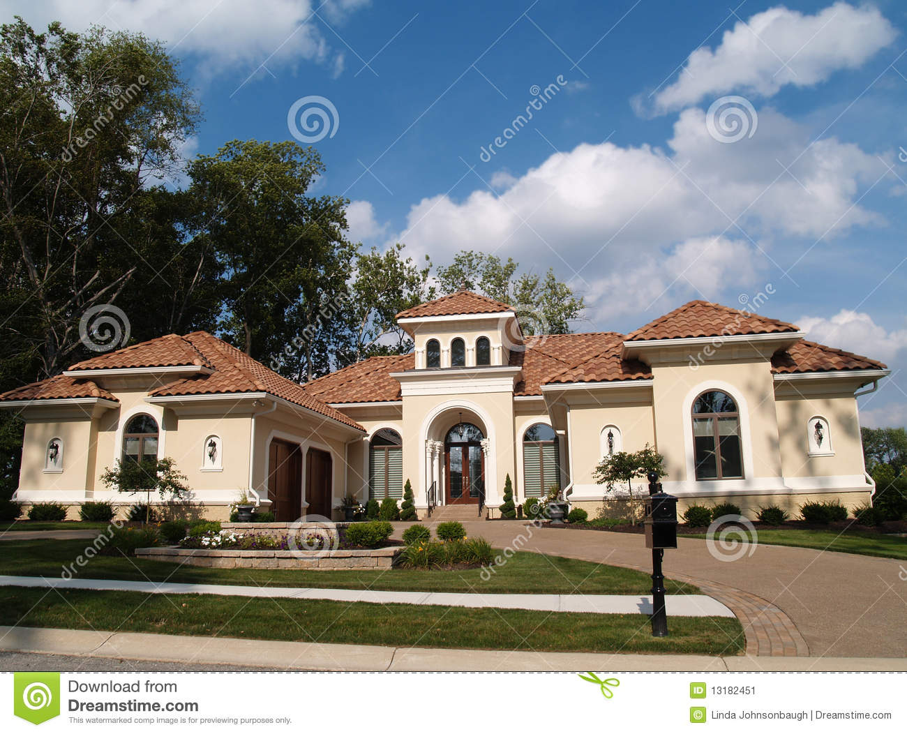 one story stucco residential home clay tile r 13182451