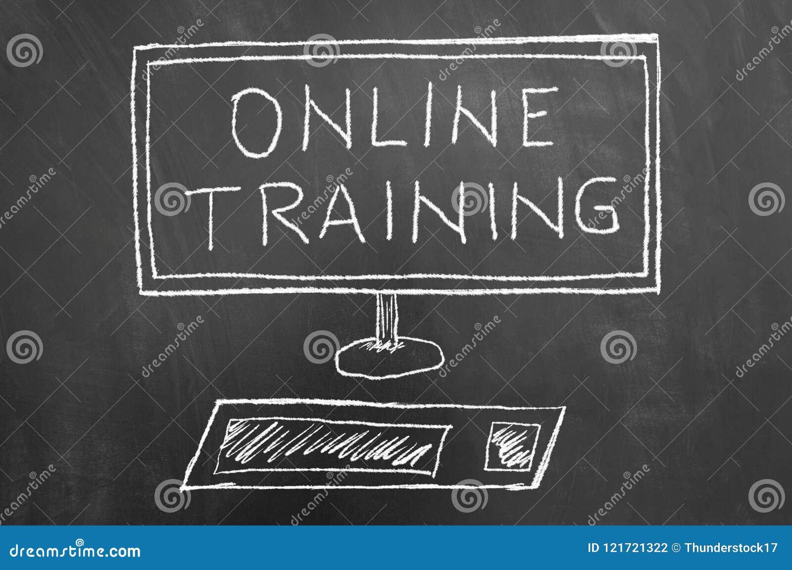 Online-utbildningstext- och datorteckning på den svart tavlan