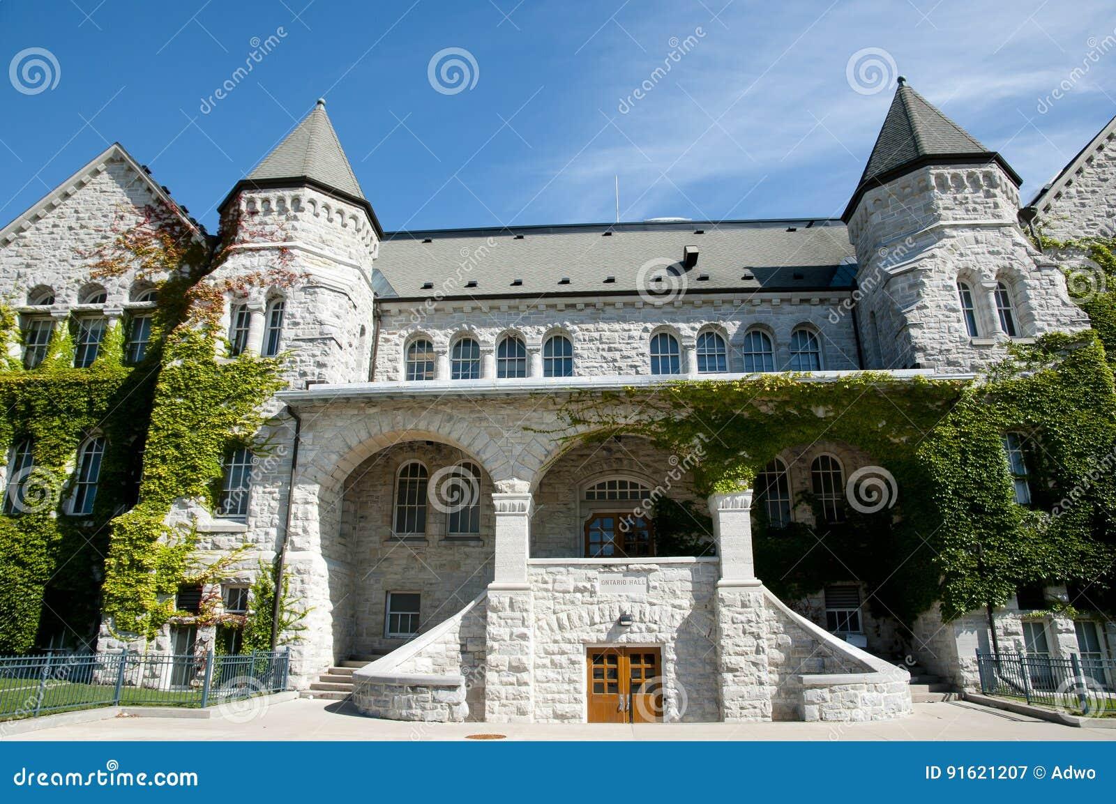 Ontario Hall budynek przy królowej ` s uniwersytetem Kingston, Kanada -