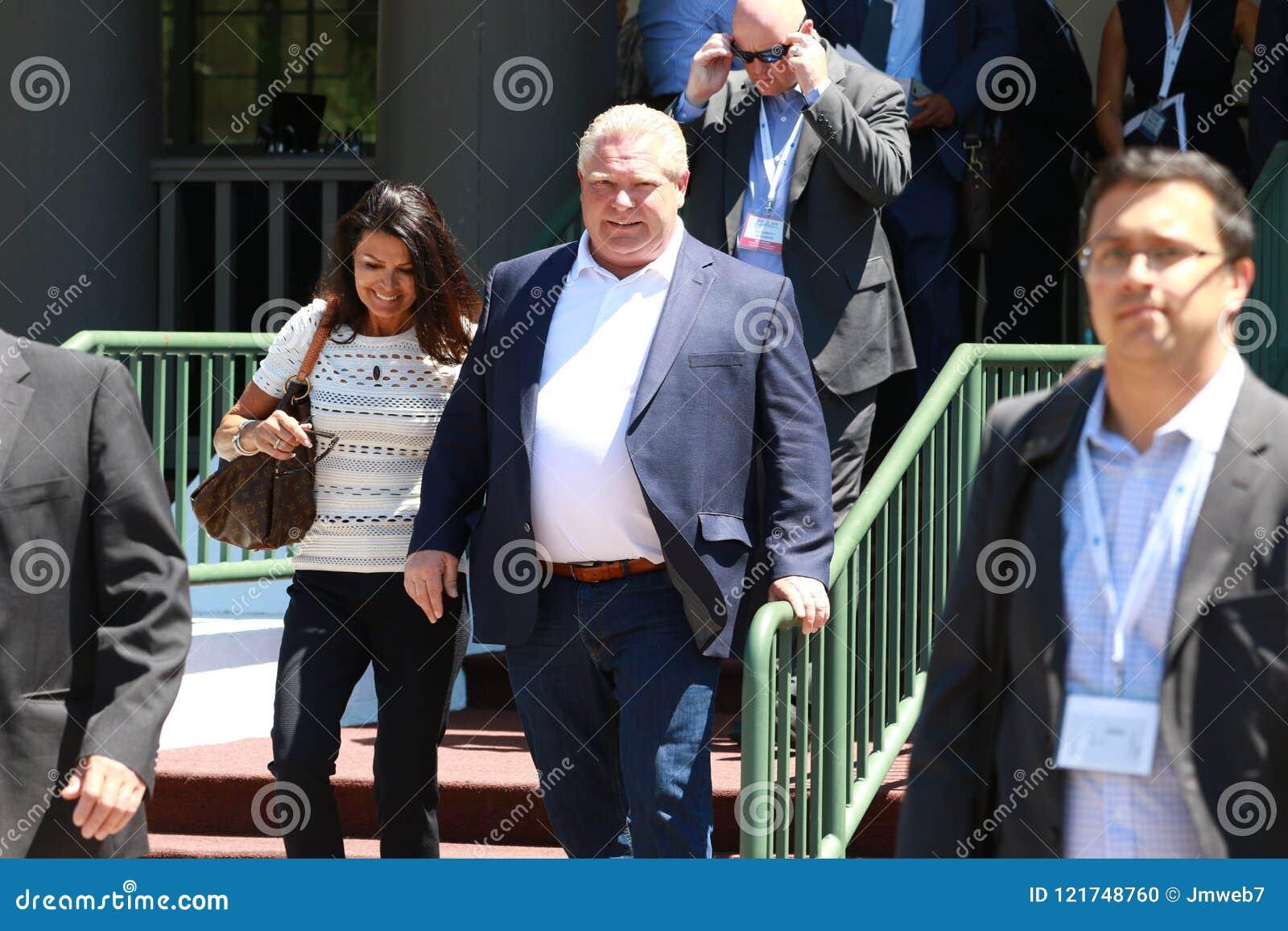 Ontario premiärminister Doug Ford Smiles