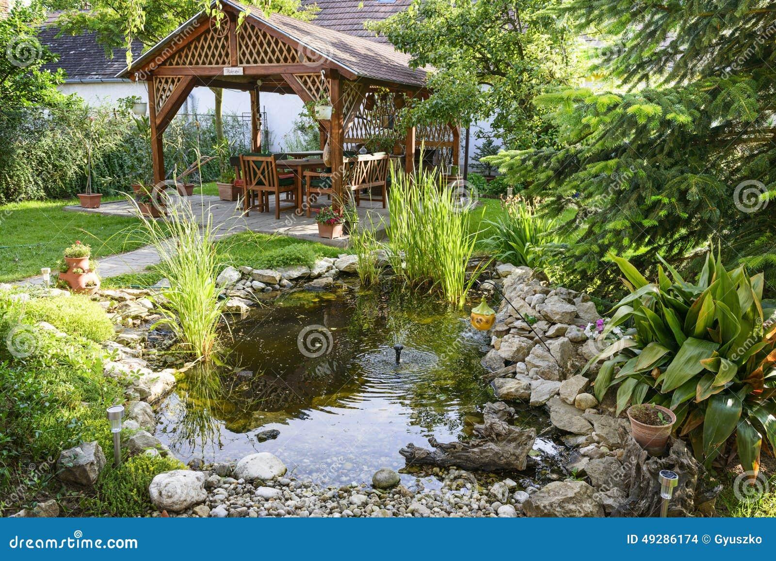 Tijd Voor Tuin : Ontspan tijd in de tuin stock foto afbeelding bestaande uit hemel