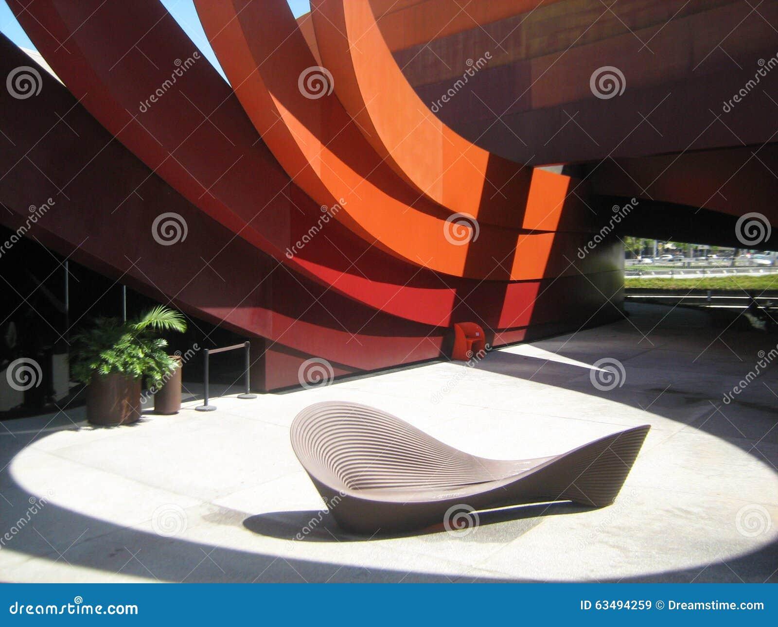 Ontwerpmuseum holon redactionele stock afbeelding afbeelding 63494259 - Ron arad ontwerper ...