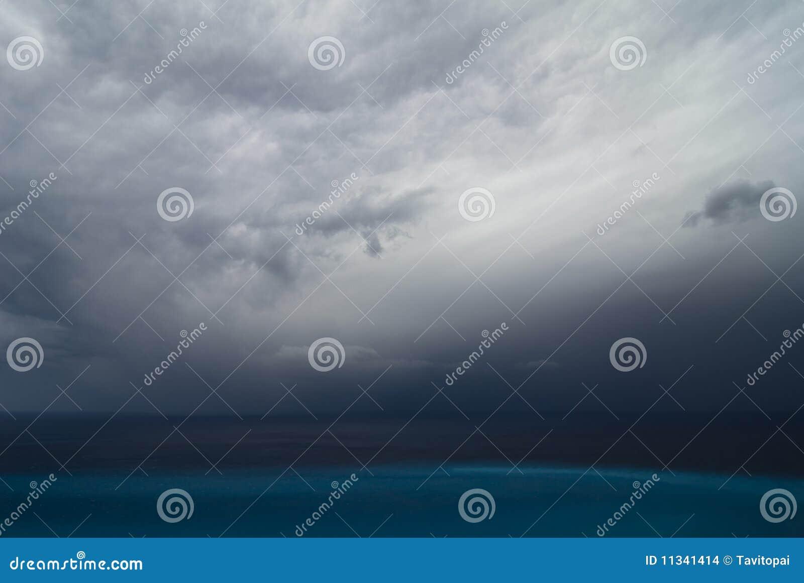 Onweer over het overzees