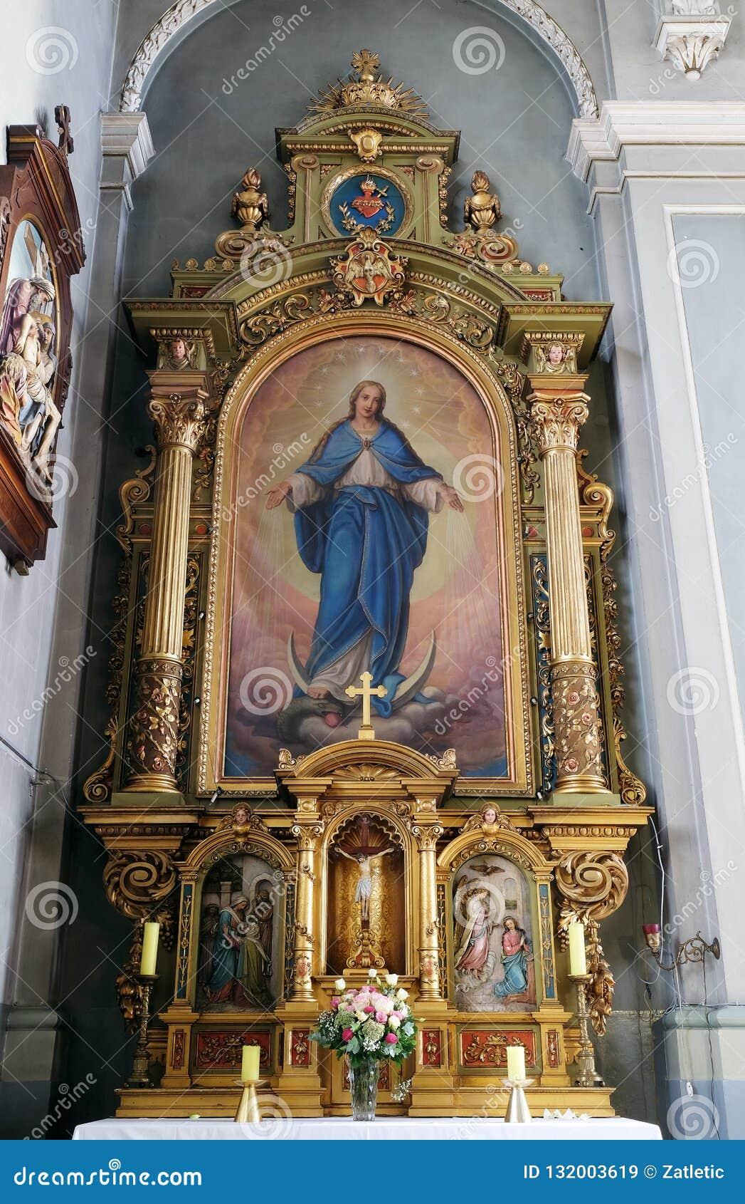 Onze Dame, altaar in de Basiliek van het Heilige Hart van Jesus in Zagreb
