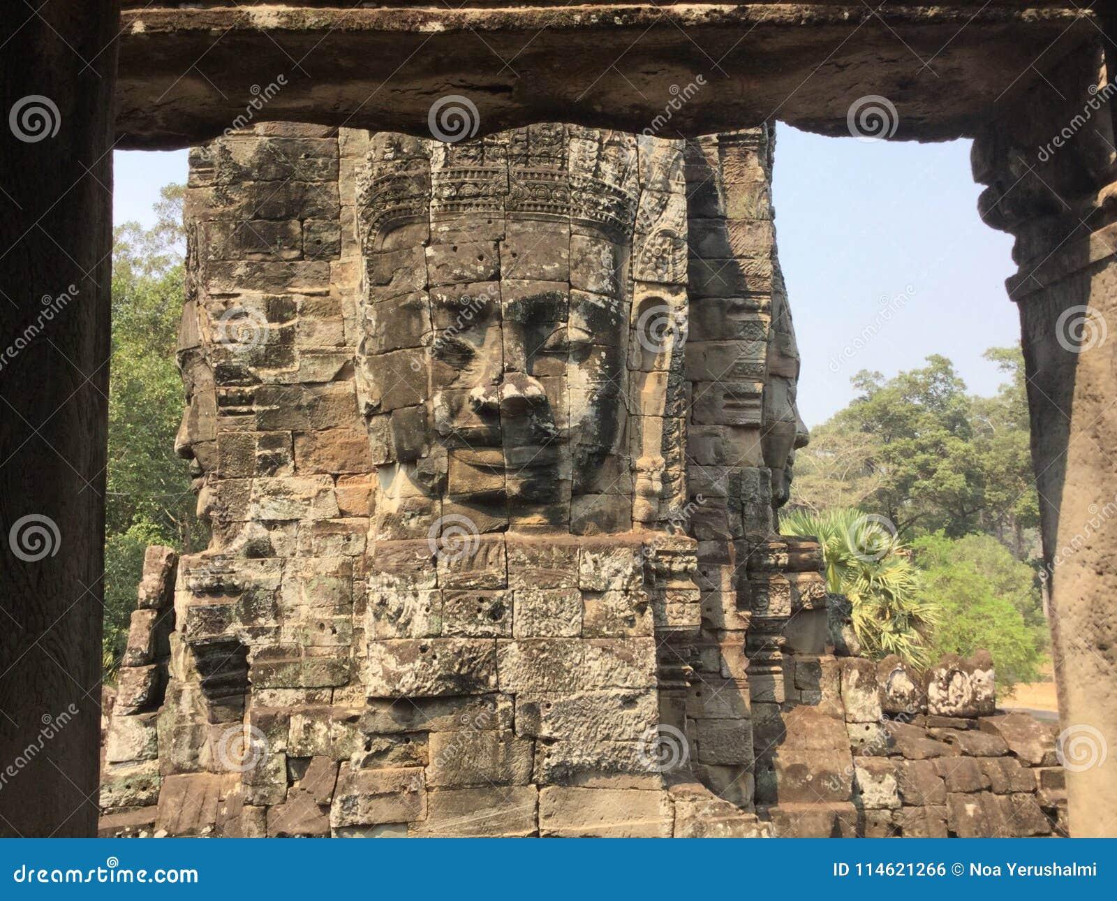 Oogst steen gesneden Boedha, Bayon, Angkor Wat, Siem, Kambodja