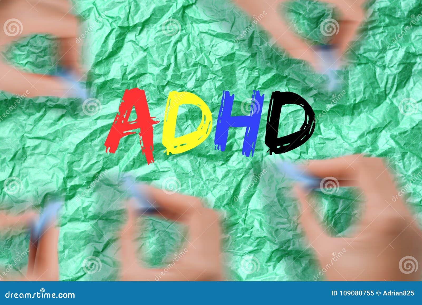 Oordning för hyperactivity för uppmärksamhetunderskott - ADHD-text med den färgrika bokstaven på grön bakgrund