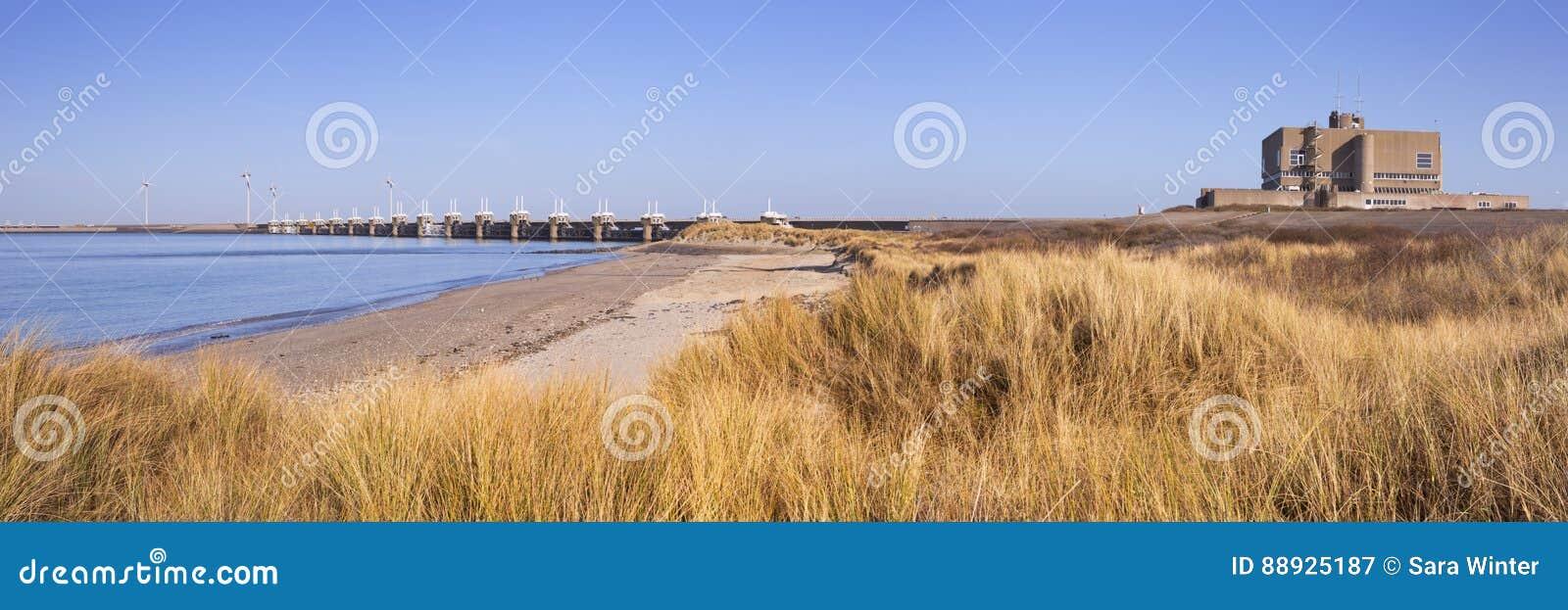 Oostelijke Schelde-Barrière in Neeltje Jans in Nederland