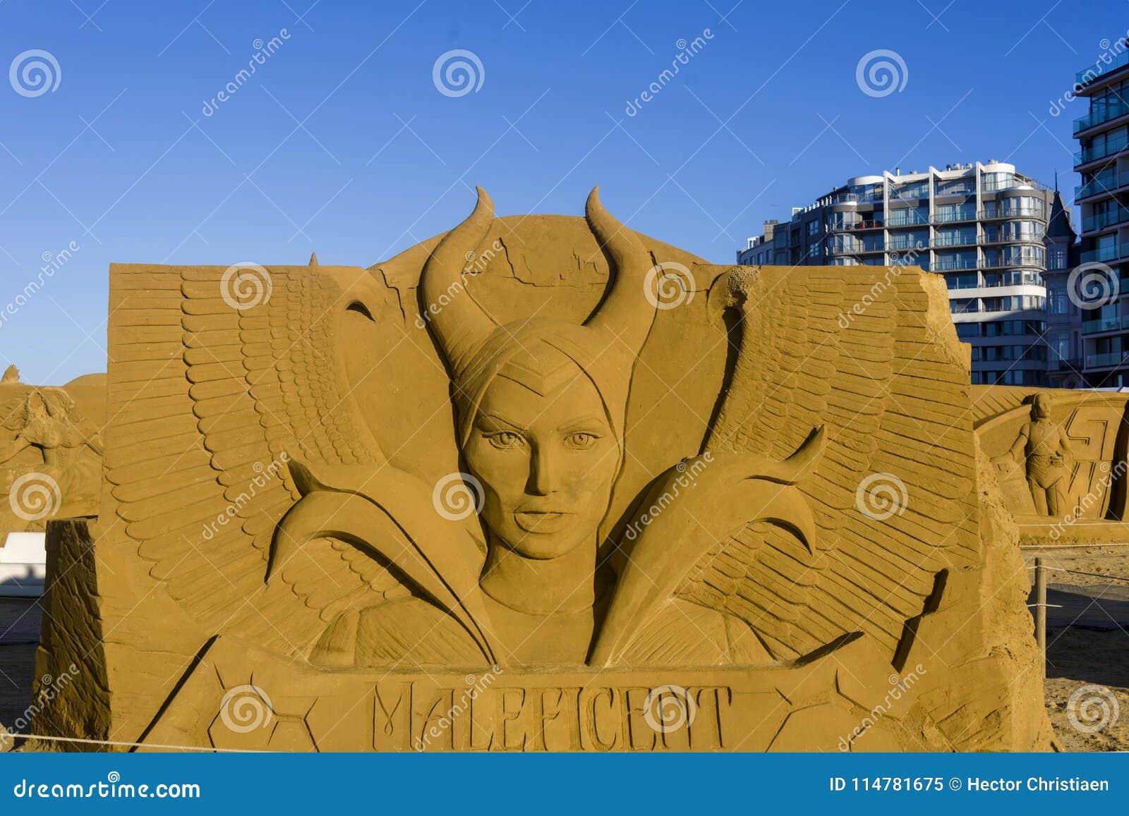 OOSTENDE, BELGIË als thema gehade zandkastelen,