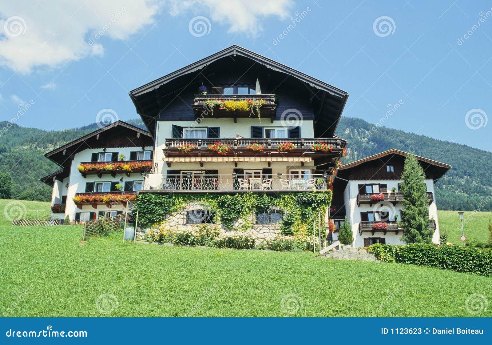 Oostenrijkse huizen stock afbeelding afbeelding bestaande uit bezit 1123623 - Foto huizen ...