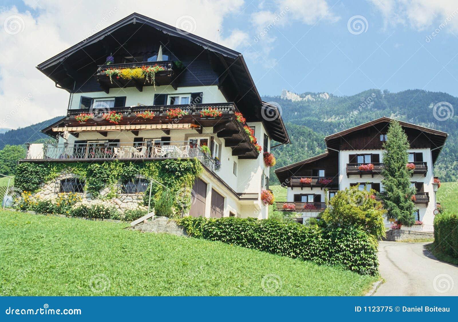 Oostenrijkse huizen stock afbeelding afbeelding bestaande uit balkon 1123775 - Meer mooie houten huizen ...