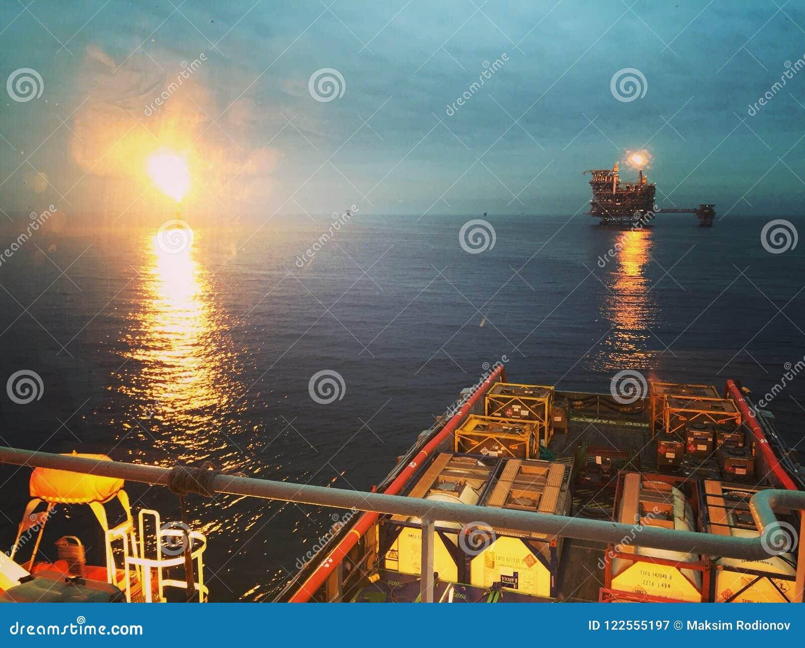 Opérations de cargaison dedans en mer