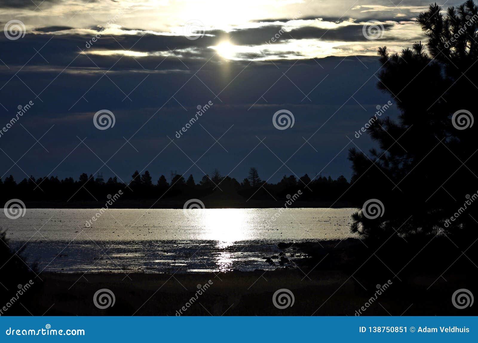 Opóźniający wschód słońca