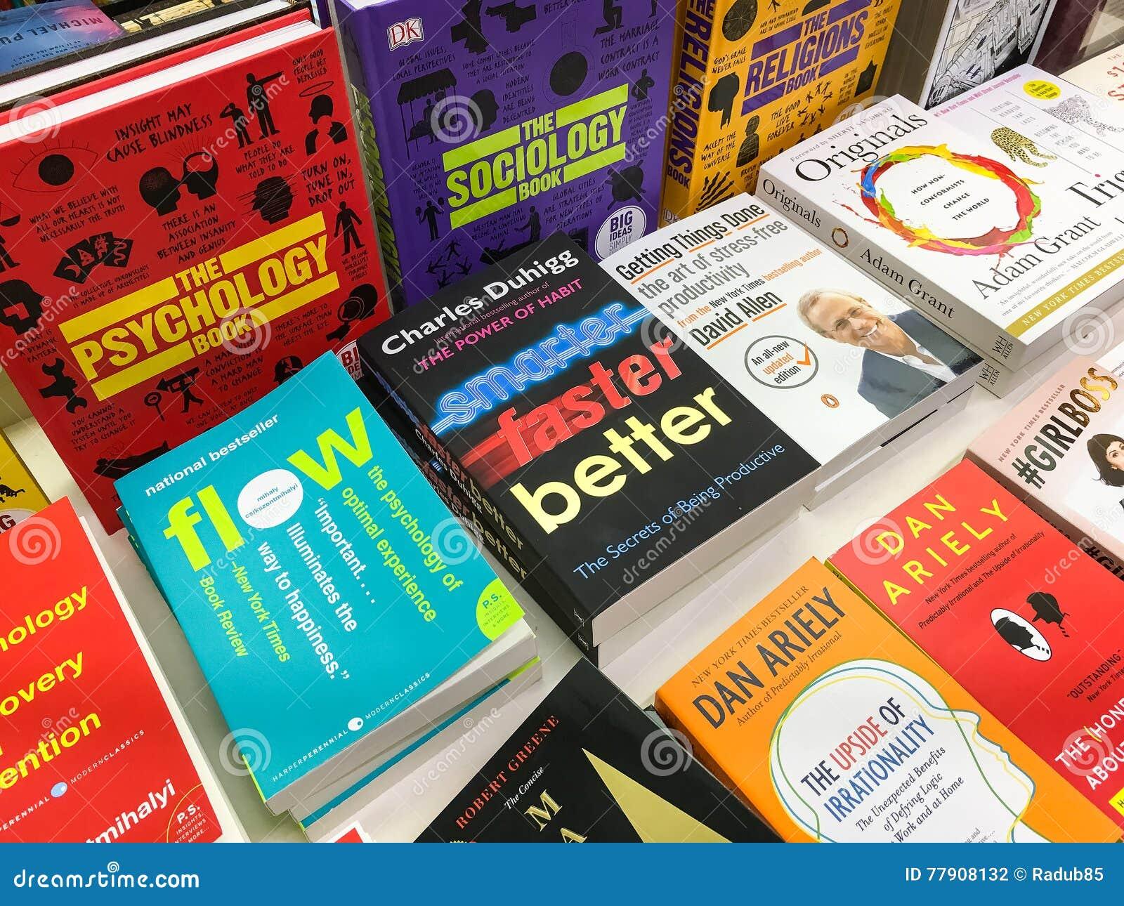 Opóźnione Angielskie Sławne powieści Dla sprzedaży W Bibliotecznym Książkowym sklepie